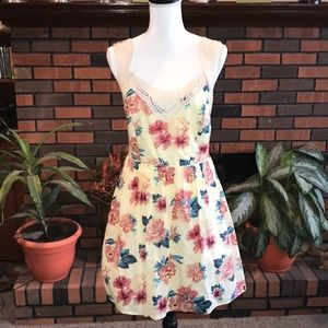 NWT City Triangles Floral Dress. Size 11